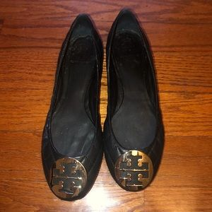 Tory Burch black plated logo flats shoes 10.5